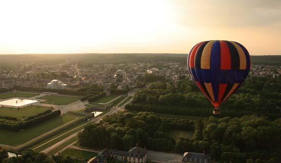 Reserve a Hot Air Balloon Ride in Paris, Fontainebleau | Paris Net